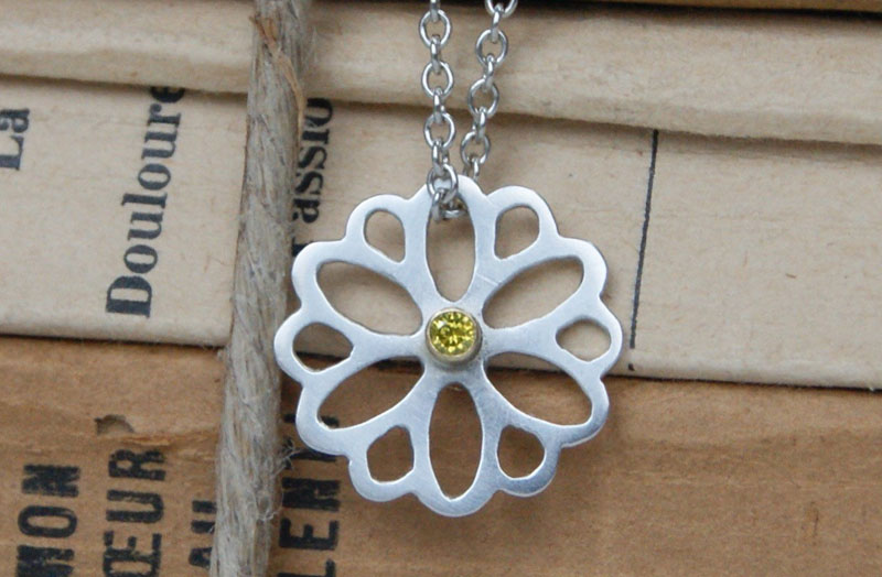Summer Jewelry. Flower Pendant